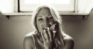 ROZES | Elizabeth Mencel