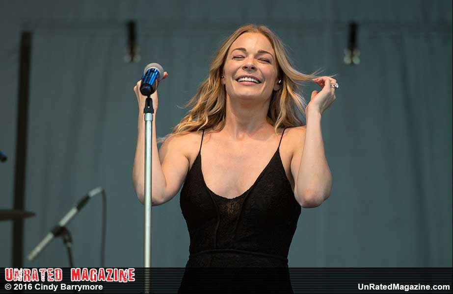 LeAnn Rimes (credit Cindy Barrymore)
