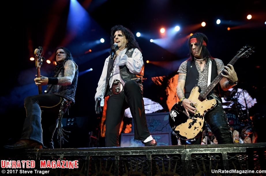 Alice Cooper and Deep Purple Together in Concert in New Jersey
