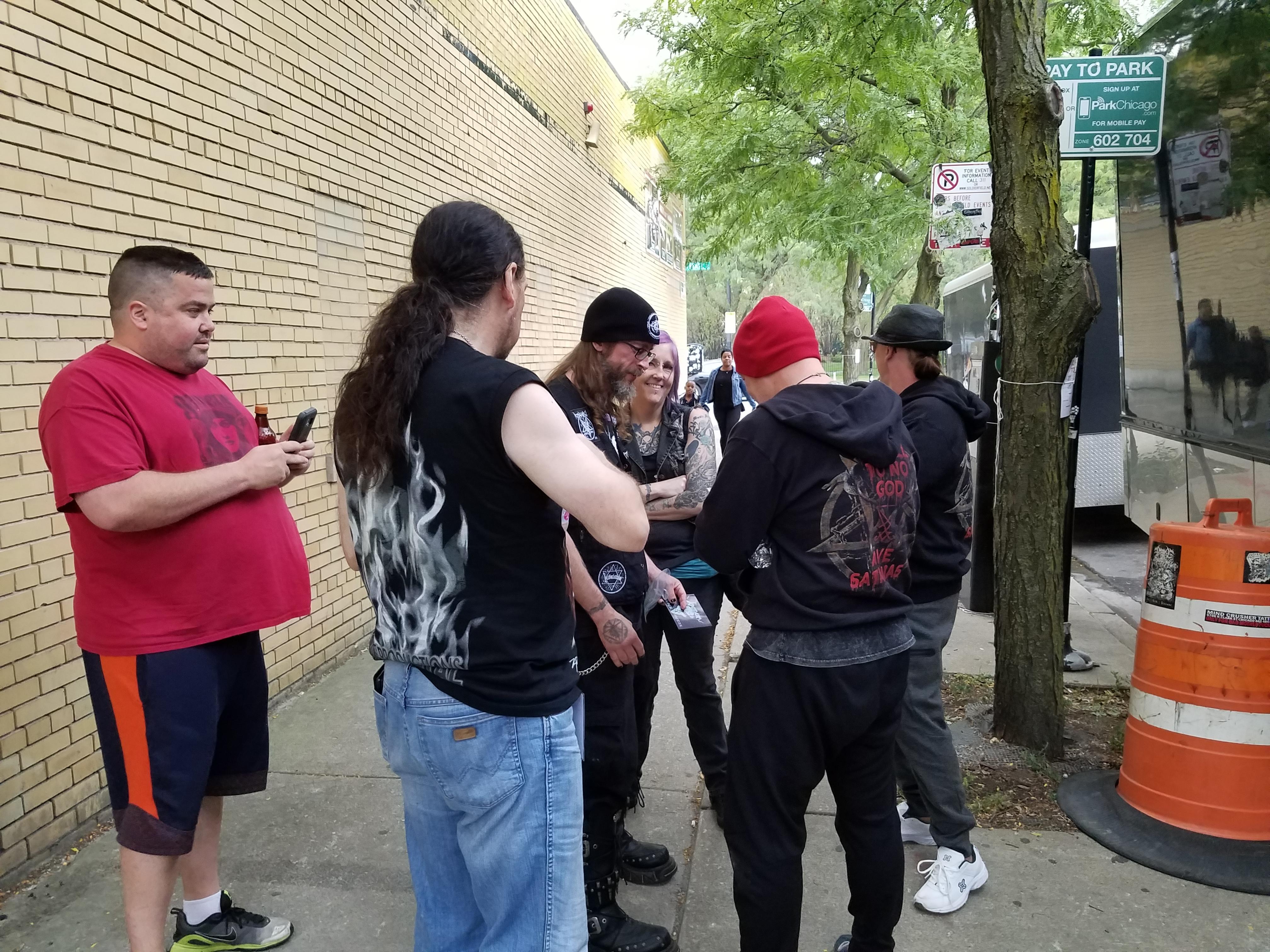 Venom, Inc. Fans at Chicago's Reggies (September 8, 2017, credit Melanie Falina)